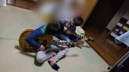兄弟ギター